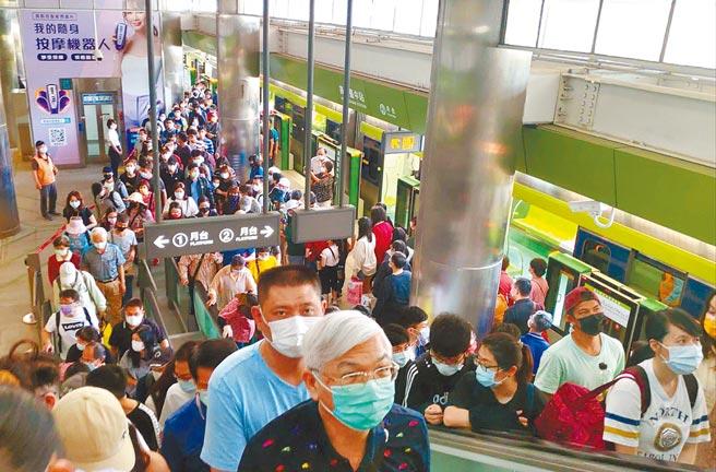 台中捷運綠線30天試營運23日結束,累計運量近214萬人次。(台中市府提供/林欣儀台中傳真)