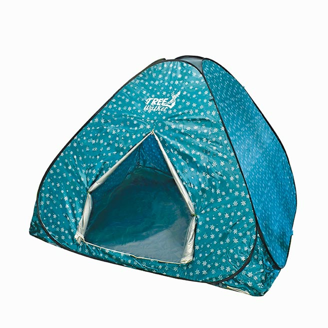 家樂福露遊樂觀星快搭帳,帳篷尺寸200×200×135cm,收納尺寸57×5cm,999元。(家樂福提供)