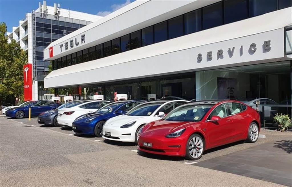 全球最糟 EV 政策在澳洲:不獎勵電動車,反而要課徵里程稅