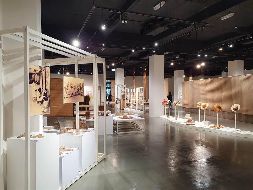 台中市纖維工藝博物館年度主題展「2021台灣藺草工藝大展」登場,將展至9月12日。(台中市文化局提供/陳淑芬台中傳真)