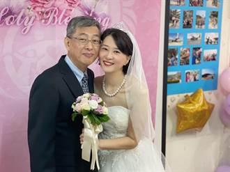 王鴻薇再披上婚紗 立委讚:永遠最美的新娘