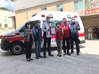 五路武財神聖誕 八里五福宮捐贈救護車及愛心物資