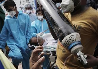 印度购陆800台制氧机运抵德里 印专家:日确诊数或达44万