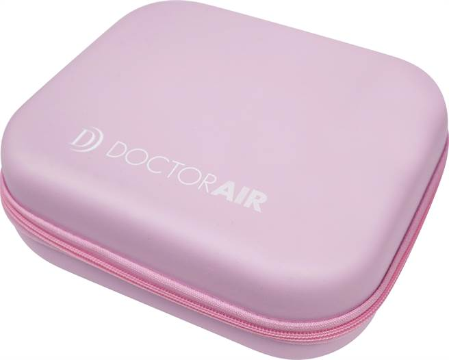 圖二:台隆手創館獨家販售DOCTORAIR MINI按摩槍限定粉色,購買即贈專屬收納盒,2990元。(台隆手創館提供)