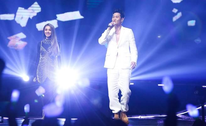 Jolin(左)今邀周興哲擔任演唱會嘉賓。(陳俊吉攝)