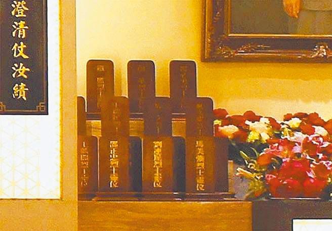 軍情局忠烈堂祭祀殉國先烈牌位,在莫斯科殉職的馬美強放在第1排最右邊。(呂昭隆攝)