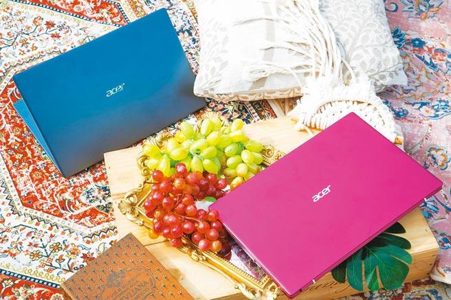 宏碁全新的Acer Swift 3(SF314-511)共推出晶亮銀、煙燻藍、莓果紅 3色選擇。(宏碁提供)