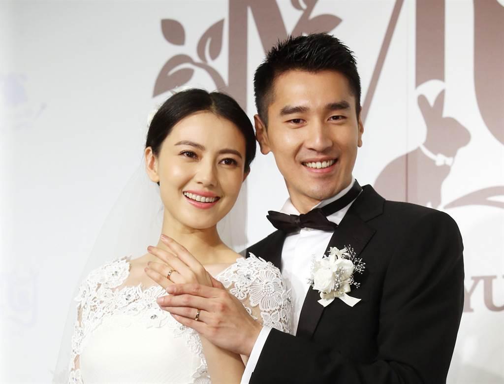 趙又廷和高圓圓結婚7年,小倆口互動依舊宛如熱戀中的情侶般甜蜜。(圖/本報系資料照片)