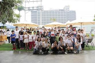 雙福辦台灣最美咖啡車寫生賽 101、外太空也搬上車