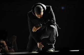 Nike肯伊威斯特聯名球鞋拍賣 5000萬賣出創紀錄