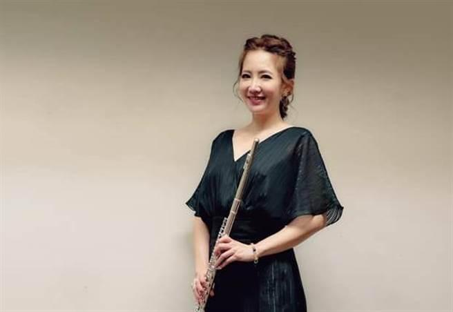 謝忻日前與莊敬高職學生登上國家音樂廳,她演奏完整個感動又充滿成就感。(圖/取材自謝忻臉書)