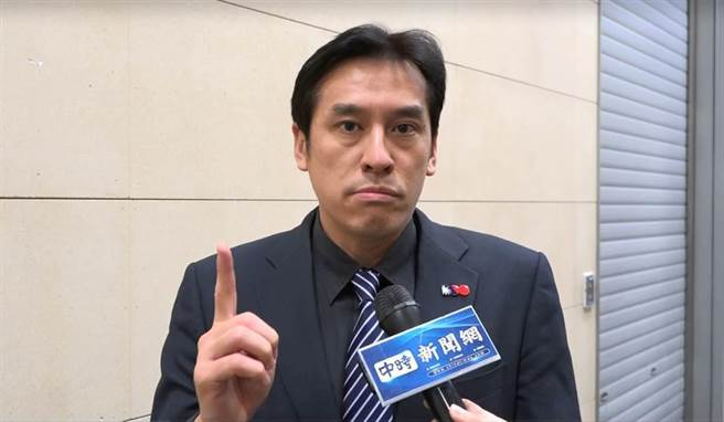 資深媒體人黃暐瀚28日在廣播節目談松山分局一案,對所長刪畫面舉動提出質疑。(資料照片)