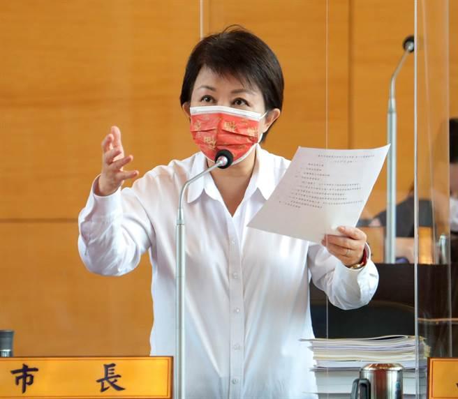 市長盧秀燕說,因市府不願刪除社福、教育等預算,當初朝野協商時就向民進黨表示,將會排擠到基礎建設。(陳世宗攝)