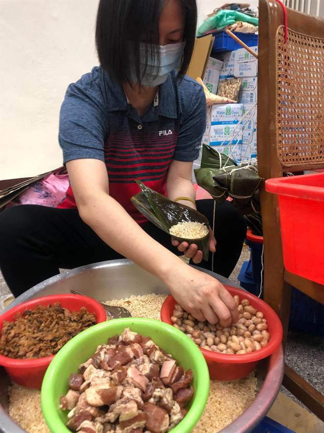 西螺農會黃金粽的材料。(周麗蘭攝)