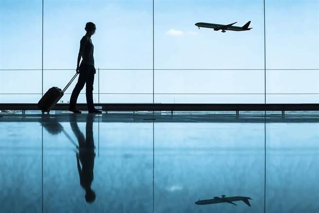 美國務院解除禁令,陸留學生持有F/M簽證8月起可直飛美國。(示意圖,達志影像/shutterstock提供)