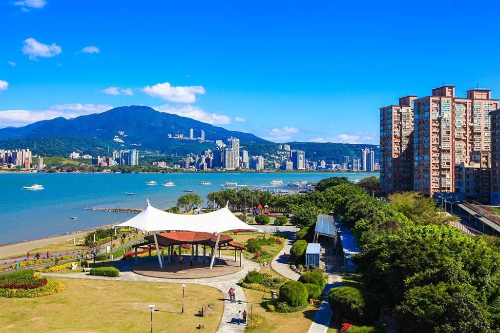 風光明媚的八里左岸公園,是許多人假日出遊的首選景點,近年成為新北重點發展城市。