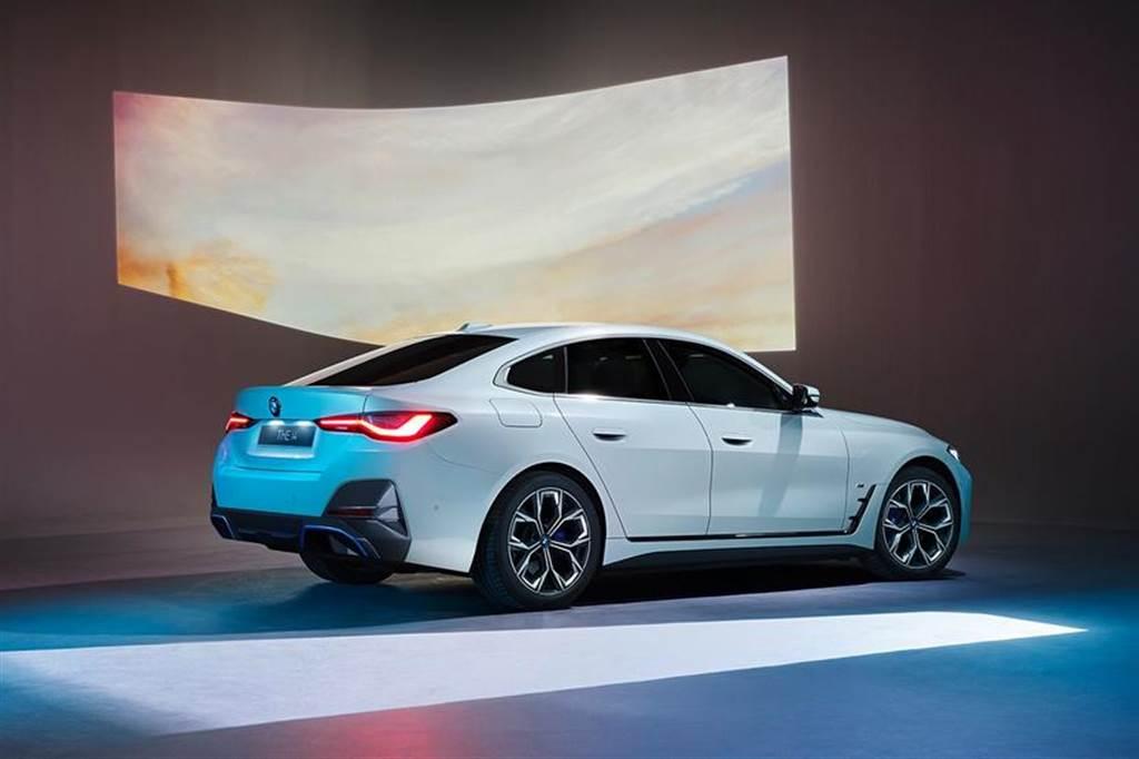 BMW iX、i4 旗艦電動車 4/30 在台開始預購