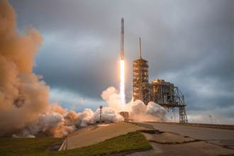 馬斯克贏得NASA登月計畫合約 貝佐斯提出挑戰
