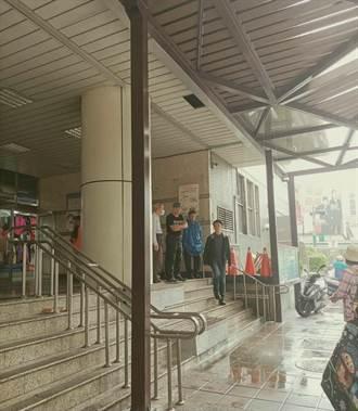 泰山市場外風雨走廊剛完工就漏水 公所:要求廠商10日內改善