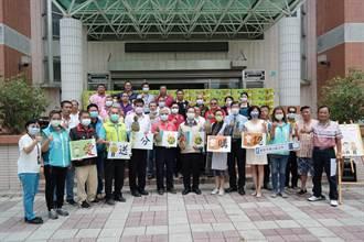 台南東山區公所挺鳳梨農 號召企業認購1034箱鳳梨