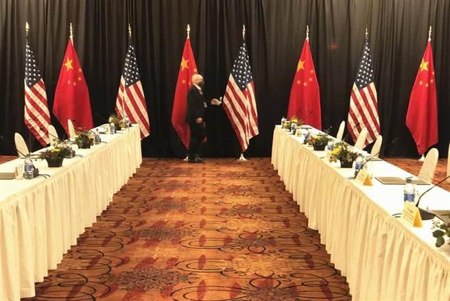 美中此前在阿拉斯加舉行2+2戰略高層對話(中新社)