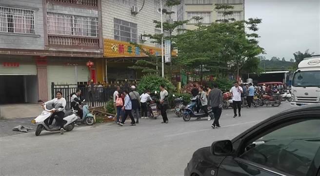 廣西一幼兒園發生砍人事件,16名兒童、2名教師受傷。(鳳凰新聞)