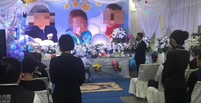 1場火警造成3童當場命喪火窟,28日在台中市立殯儀館舉行告別式。(讀者提供/張妍溱台中傳真)