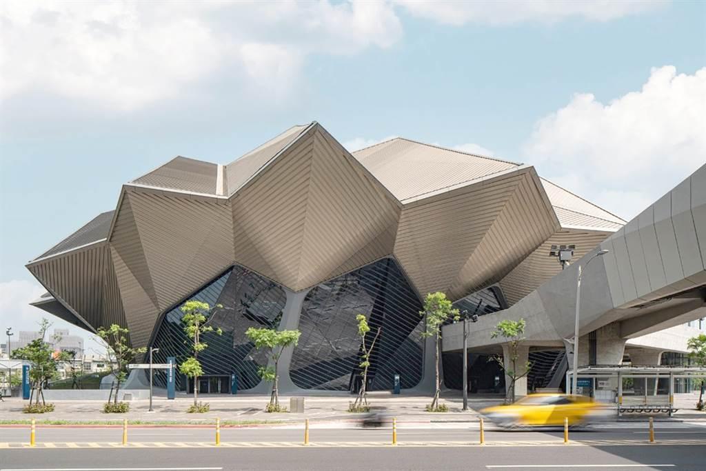 台北流行音樂中心去年9月落成啟用,帶動南港房市。(業者提供)