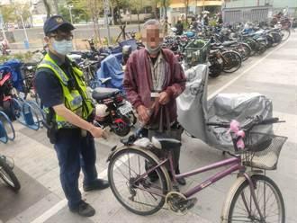 「警」是我的眼 熱心警協助視障翁找回腳踏車
