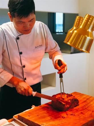 龍巖員工有口福 主廚「阿吉師」蕭偉吉榮獲亞太十大青年菁英名廚-金獎