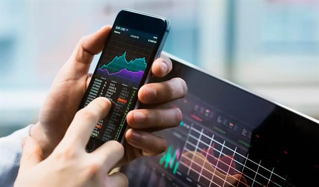 超級財報周 資金加速回流電子股。(示意圖/shutterstock)