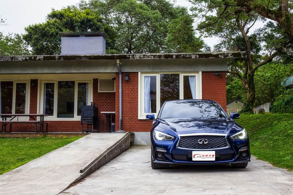 試駕車型為最頂規的Sliver Sport,售價197萬元,不到兩百萬卻擁有300hp最大馬力,同時還是豪華品牌,C/P值之高不言可喻。