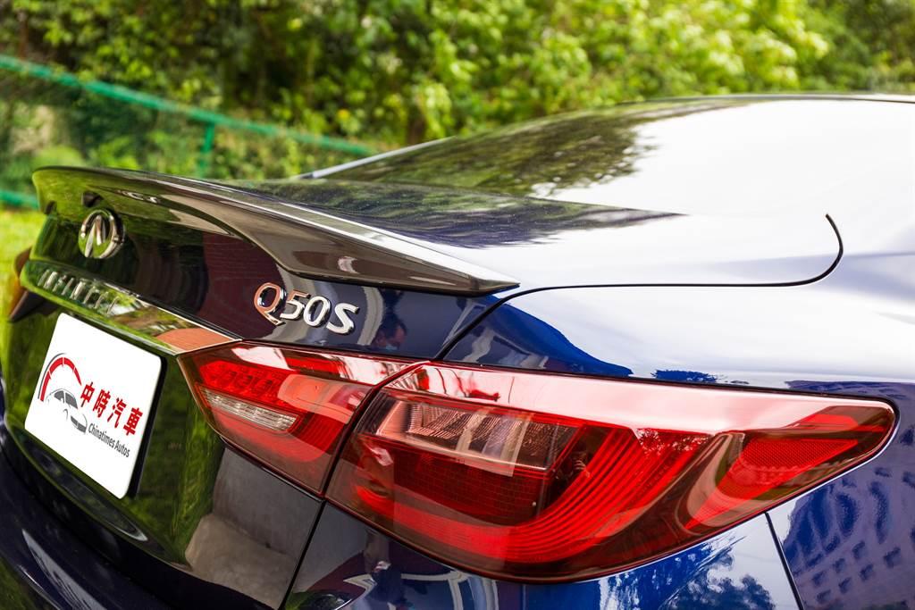 車尾的小尾翼為經銷商選配項目,並非外觀套件。