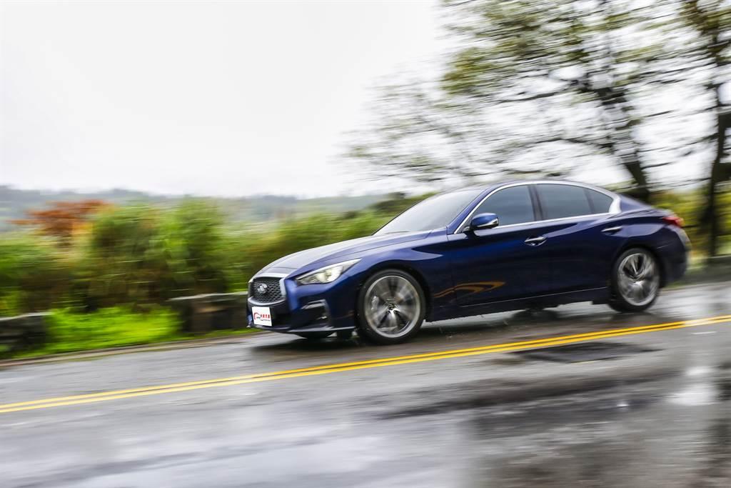 從定價來看,Q50直指IS300h的企圖相當明確,同時還能藉由動力與價格,在歐系對手中取得優勢。