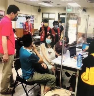 五月綜所稅申報明天起跑 立委費鴻泰服務列車啟動