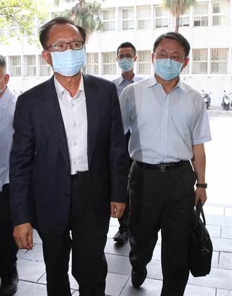 陳嘉昌、林志誠下午現身台北地檢署說明案情 交出手機測謊