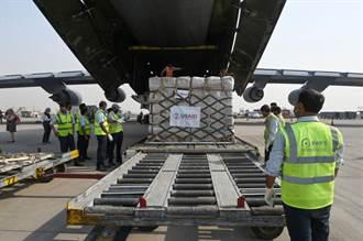 印度疫情飆高單日破37萬例 美首批救援物質運抵