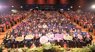 慶祝五一勞動節 盧秀燕表揚模範勞工