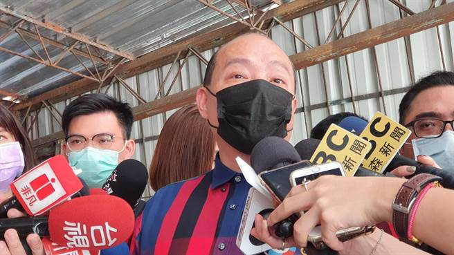 趙映光也隔空向何志偉喊話表示,「為感謝何的情份,他在有生之年會全力支持何志偉家族的任何選舉。(游念育攝)