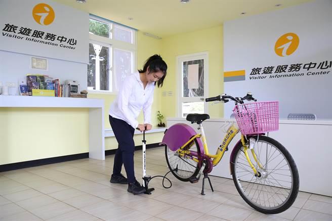 16處旅服中心分布於大、小金門遊憩據點,提供車友「吃、住、買、玩、賞、行」6大旅遊需求。(金門縣府觀光處提供)