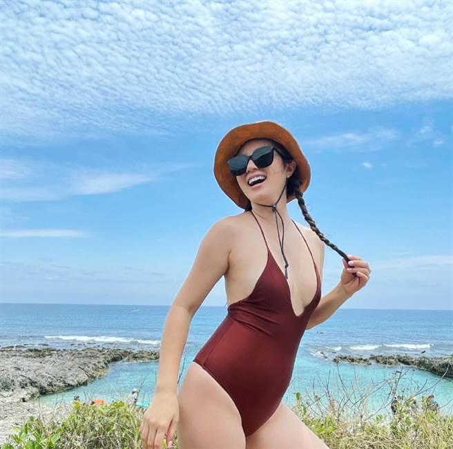 陳泱瑾曝婚後變胖12公斤,只好穿連身泳衣遮肥肉,卻意外被粉絲推爆。(圖/ 摘自陳泱瑾臉書)