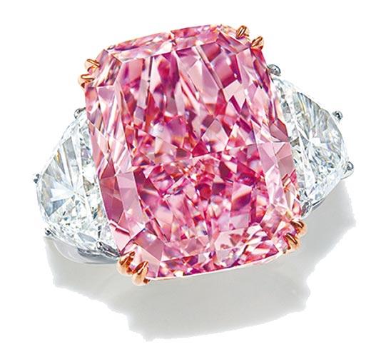 有名字的鑽石通常更有收藏價值,名為「The Sakura」15.81克拉粉紅鑽,起拍價1.95億港元。(Christie's提供)