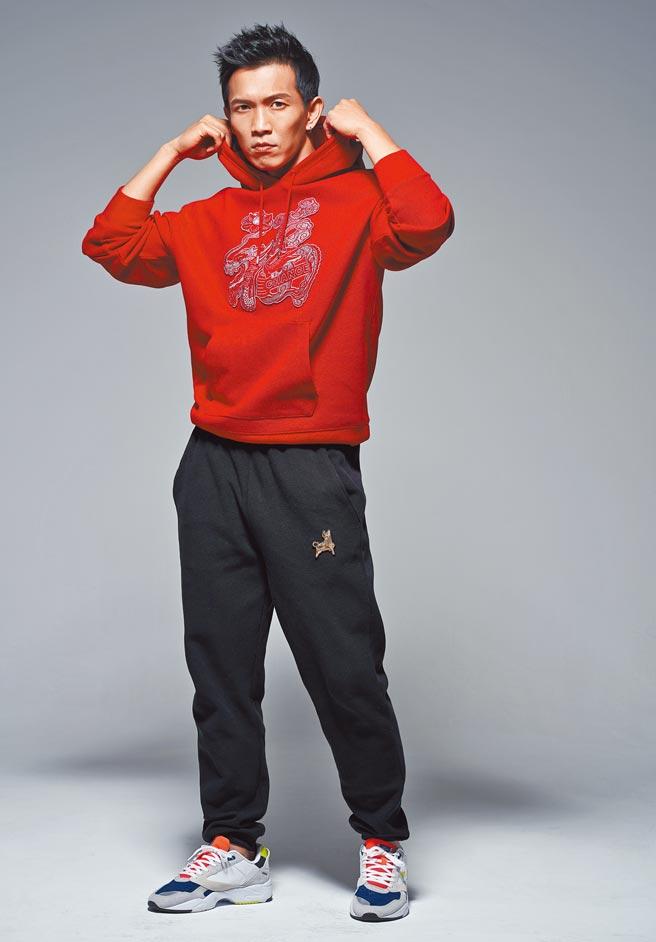 黃尚禾一開春就有多部作品登場,是個多產的演員。(攝影/JOJ PHOTO.服裝提供/LACOSTE)