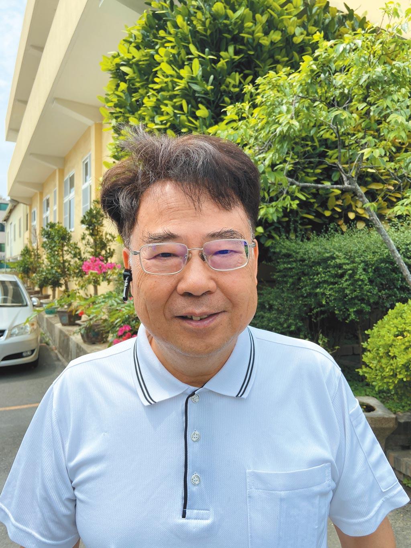 國立勤益科大林文燦教授;運用智慧農業4.0-運用NB-IoT來監控茶葉生長環境。圖/嚴強國