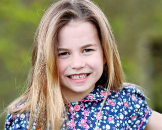 英夏綠蒂公主6歲生日新照片曝光 長髮披肩變小淑女