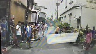 萬丹媽祖遶境傳意外 男疑操作空拍機不慎從2樓墜下搶救中