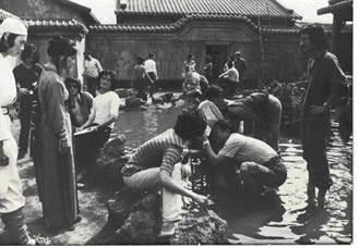史話》老照片/水中「蝶」影(范金玉)
