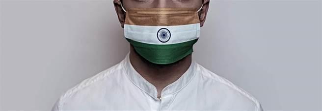 過去短短幾天內,印度增加超過一百萬新確診病例,總確診人數僅次於美國。(示意圖/shutterstock)
