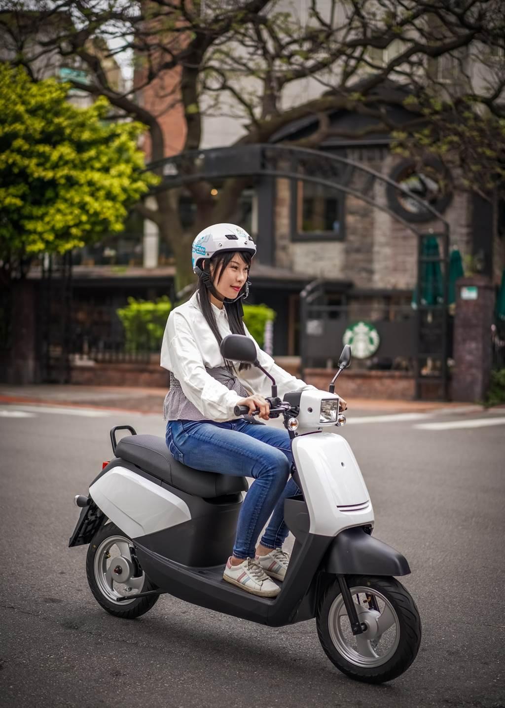 2021年式中華eMOVING電動自行車全新上市,指定車款再享最高$2,000元購車金。