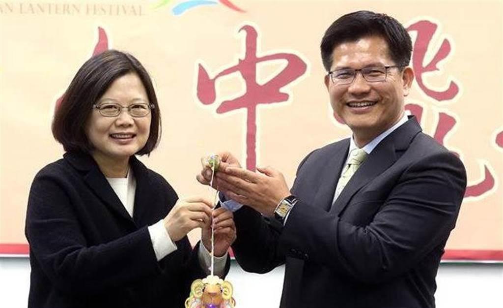 總統蔡英文(左)、前交通部長林佳龍(右)。(中時資料照)